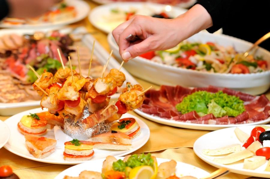 Servizio di catering e apericena per feste private e di compleanno a